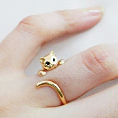 the gold cat ring